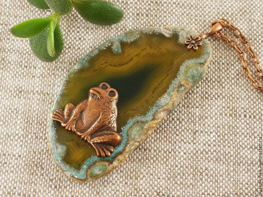 Кулоны, подвески ручной работы. Ярмарка Мастеров - ручная работа. Купить Подвеска Лягушка (зеленый срез агата). Handmade.