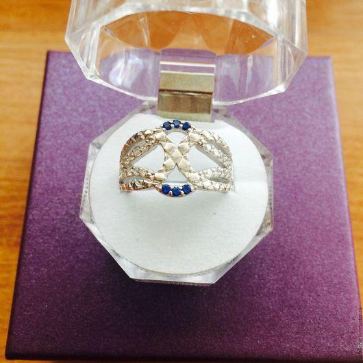 Кольца ручной работы. Ярмарка Мастеров - ручная работа. Купить Стилизованное серебряное кольцо с натуральными сапфирамим. Handmade. Серебряный