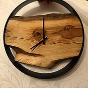 Часы классические ручной работы. Ярмарка Мастеров - ручная работа Часы Лофт из дерева в металлическом ободе. Handmade.