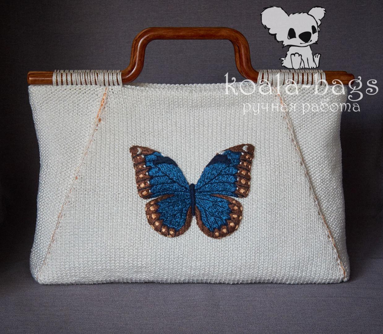 Сумка с вышивкой бабочки