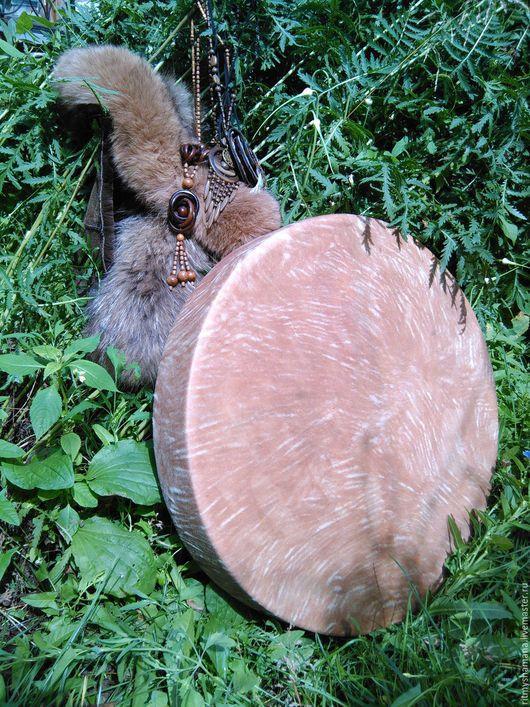 54см диаметр,глубина 9см низкий,объёмный звук материал- кожа козы,берёза дубление травами