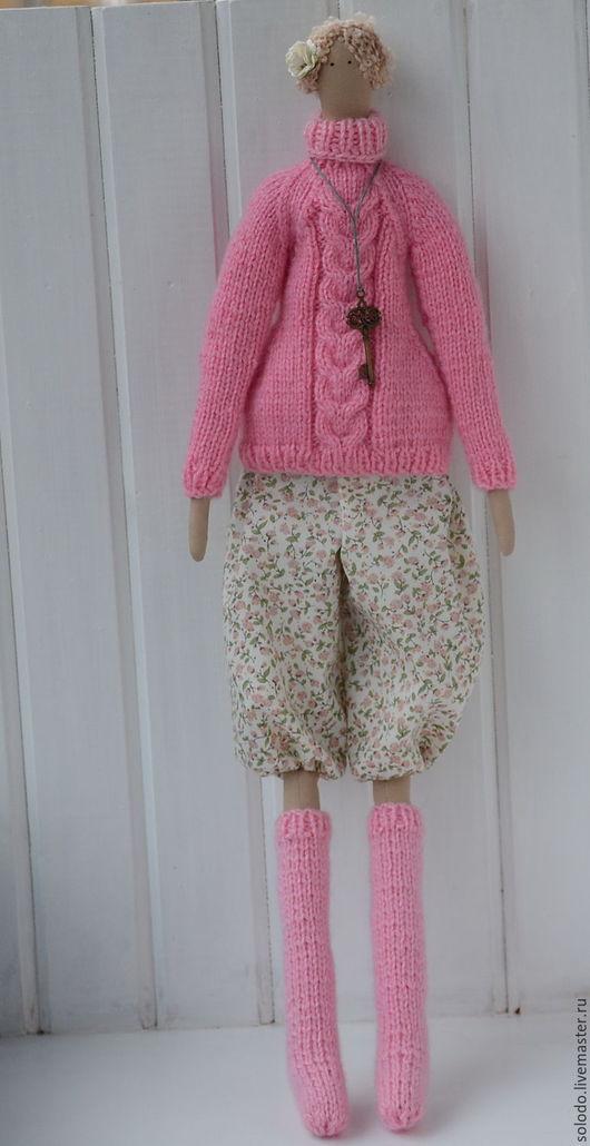 Куклы Тильды ручной работы. Ярмарка Мастеров - ручная работа. Купить Тильда в свитере и чулках. Handmade. Розовый