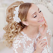 Свадебный салон ручной работы. Ярмарка Мастеров - ручная работа Повязка в прическу невесты с шелковыми цветами. Handmade.