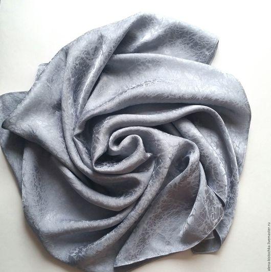 Шали, палантины ручной работы. Ярмарка Мастеров - ручная работа. Купить Платок Дымка серый шелковый. Handmade. Серый