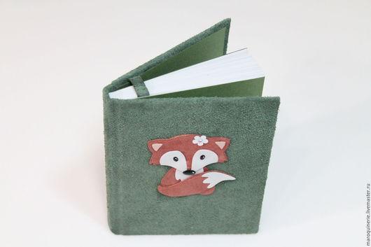 """Блокноты ручной работы. Ярмарка Мастеров - ручная работа. Купить Блокнот из кожи """"Лисенок"""" зеленый. Handmade. Тёмно-зелёный"""