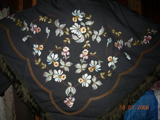 Шали, палантины ручной работы. Ярмарка Мастеров - ручная работа. Купить шаль из шерсти с бахромой. Handmade. Черный, цветочный
