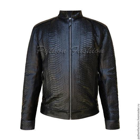 Мужская куртка из питона. Мужская куртка из питона на молнии.  Куртка пилот из кожи питона ручной работы. Стильная куртка из питона на заказ. Куртка пилот на весну. Весенняя куртка бомбер из питона.
