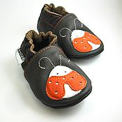 Работы для детей, handmade. Livemaster - original item Dark brown baby shoes,Baby slippers with ladybug,Ebooba. Handmade.