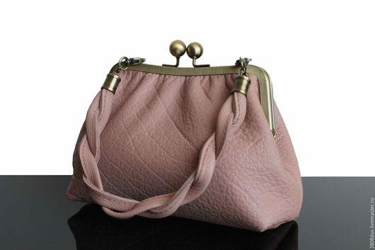 Женские сумки ручной работы. Ярмарка Мастеров - ручная работа. Купить Кожаная сумочка, Пудровый, винтажный стиль, кожаный клатч. Handmade.
