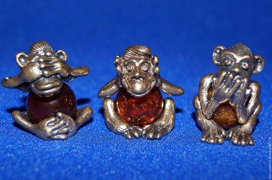 Персональные подарки ручной работы. Ярмарка Мастеров - ручная работа. Купить Бронзовая обезьянка с янтарем.. Handmade. Золотой, обезьянка из камня