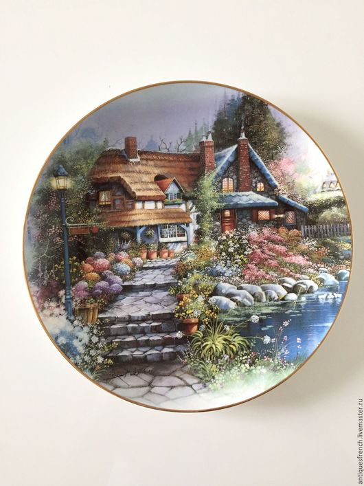 Винтажная посуда. Ярмарка Мастеров - ручная работа. Купить Тарелка из коллекции ROYAL DOULTON The Cottage on Swan Lake. Handmade.