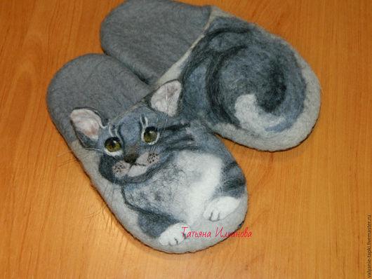 """Обувь ручной работы. Ярмарка Мастеров - ручная работа. Купить Тапочки""""Серый кот"""". Handmade. Серый, Тапочки ручной работы"""