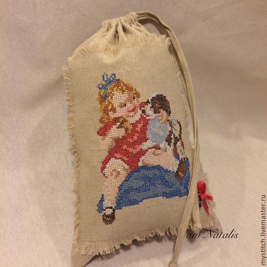 """Для дома и интерьера ручной работы. Ярмарка Мастеров - ручная работа. Купить Винтажный льняной мешочек для детей """"Сначала ты, потом я"""". Handmade."""