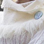 Шарфы ручной работы. Ярмарка Мастеров - ручная работа Шарф валяный с меховой опушкой Белый. Handmade.
