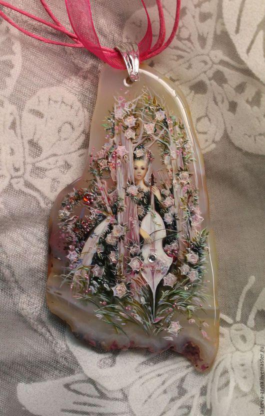 """Кулоны, подвески ручной работы. Ярмарка Мастеров - ручная работа. Купить Кулон""""Мелодия сада"""". Handmade. Бледно-розовый, девушки, лак"""