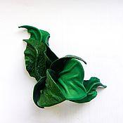 """Украшения ручной работы. Ярмарка Мастеров - ручная работа Брошь цветок из кожи Орхидея """"Изумрудный Город"""" зеленый изумрудный. Handmade."""
