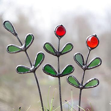 Цветы и флористика ручной работы. Ярмарка Мастеров - ручная работа Клюква. Витражный декор в цветочный горшок. Handmade.