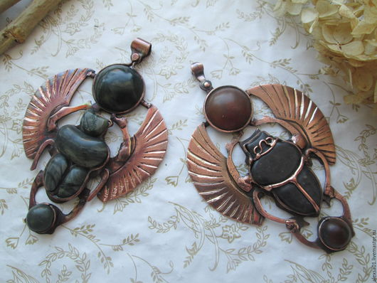 """Кулоны, подвески ручной работы. Ярмарка Мастеров - ручная работа. Купить Авторские кулоны """"Скарабей"""" с яшмой и янтарем. Handmade. Комбинированный"""