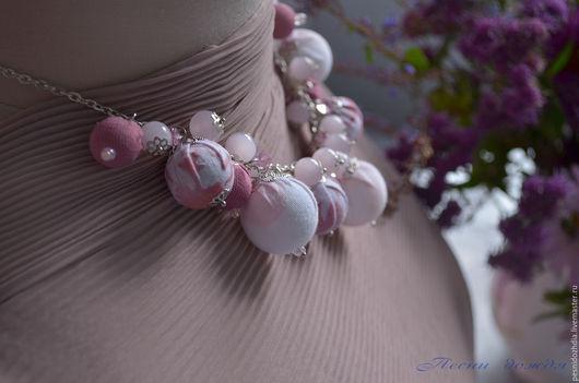 """Колье, бусы ручной работы. Ярмарка Мастеров - ручная работа. Купить """"Розовый туман"""" текстильные бусы колье из натуральных камней.. Handmade."""