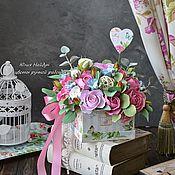 Цветы и флористика ручной работы. Ярмарка Мастеров - ручная работа Композиция 26 см с цветами из полимерной глины в коробке. Handmade.