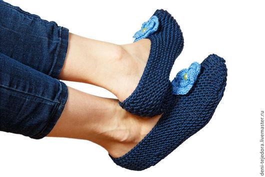 Обувь ручной работы. Ярмарка Мастеров - ручная работа. Купить Тапочки домашние вязаные Тепло и уют. Handmade. Тёмно-синий