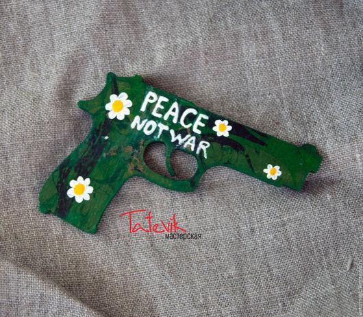 """Магниты ручной работы. Ярмарка Мастеров - ручная работа. Купить """"Peace not war"""" магнит - пистолет с ромашками. Handmade."""