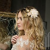 Свадебный салон handmade. Livemaster - original item Bridal comb with flowers. Handmade.