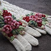 Аксессуары ручной работы. Ярмарка Мастеров - ручная работа Высокие перчатки с вышивкой  Клюква. Handmade.