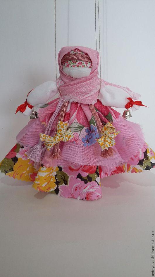 Эта куколка нашла хозяйку.  Но я  могу повторить - такие ткани у меня есть.