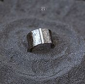 Украшения ручной работы. Ярмарка Мастеров - ручная работа Серебряное кольцо с чеканной фактурой. Handmade.