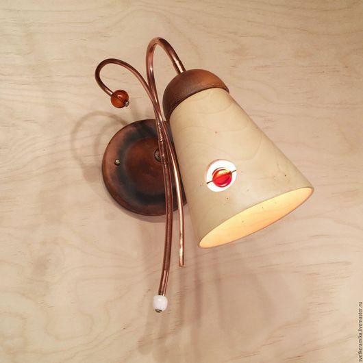 Освещение ручной работы. Ярмарка Мастеров - ручная работа. Купить Настенный светильник из дерева и керамики (диаметр 13 см). Handmade.