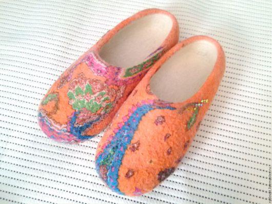 Обувь ручной работы. Ярмарка Мастеров - ручная работа. Купить Валяные тапочки.. Handmade. Оранжевый, валяные тапочки