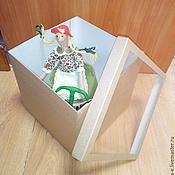 Материалы для творчества ручной работы. Ярмарка Мастеров - ручная работа Коробка из микрогофрокартона с окном 23х23х23 см. Handmade.