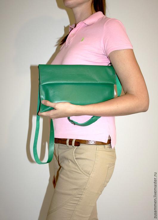 Женские сумки ручной работы. Ярмарка Мастеров - ручная работа. Купить Клатч Green brick с ремешком (цвет: зеленый). Handmade.