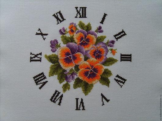 """Часы для дома ручной работы. Ярмарка Мастеров - ручная работа. Купить вышитый циферблат для часов """"анютины глазки"""". Handmade. Вышивка"""