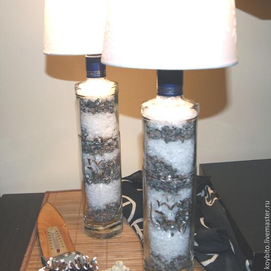 Светильник `Хаски` выполнен парой, цена за 1 шт. Копирование экземпляров в полной мере не предполагается. Наполнение - соль древних морей и гранитная крошка.  Возможны вариации с абажурами из имеющихс