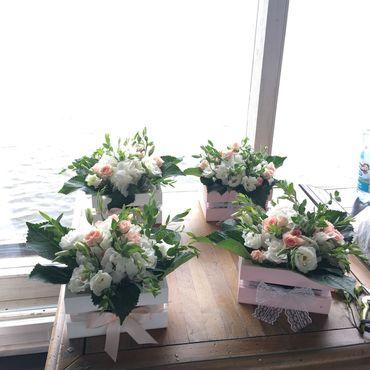 Свадебный салон ручной работы. Ярмарка Мастеров - ручная работа Композиции на стол из живых цветов. Handmade.
