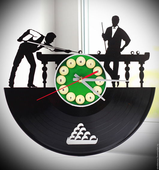 """Часы для дома ручной работы. Ярмарка Мастеров - ручная работа. Купить Оригинальный подарок. Настенные часы """"Бильярд"""", сделанные из виниловой. Handmade."""