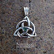 Фен-шуй и эзотерика handmade. Livemaster - original item Triquetra silver with emerald. Handmade.