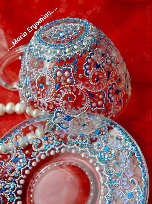 Кружки и чашки ручной работы. Ярмарка Мастеров - ручная работа. Купить Чайная пара стеклянная в технике точечная роспись Морозко. Handmade.
