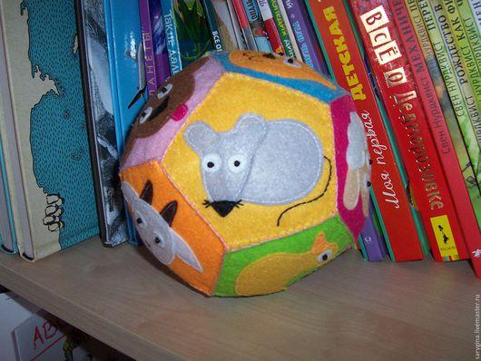 """Развивающие игрушки ручной работы. Ярмарка Мастеров - ручная работа. Купить Развивающий мячик из фетра """"Животные"""". Handmade. Комбинированный"""
