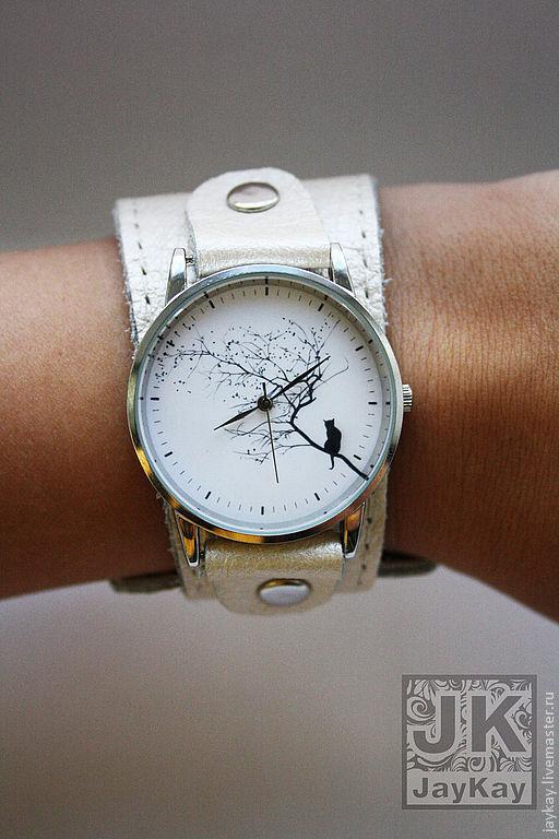 """Часы ручной работы. Ярмарка Мастеров - ручная работа. Купить Наручные часы """"JK"""". Handmade. Белый, кожаный браслет"""