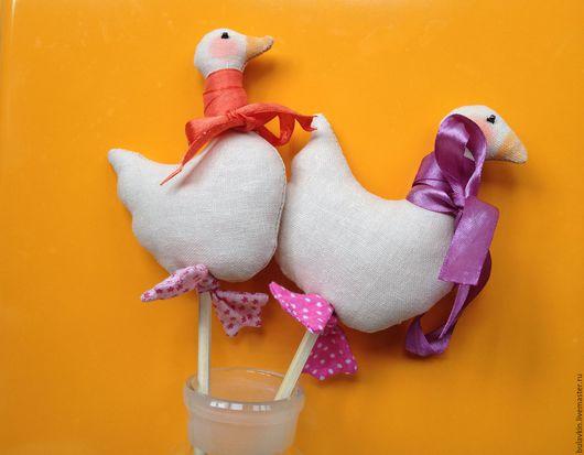 Текстильные гуси ручной работы. Цена указана за одну игрушку. Возможны варианты расцветок.