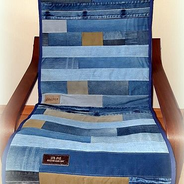 Текстиль ручной работы. Ярмарка Мастеров - ручная работа Пледы: Стеганая джинсовая дорожка накидка на кресло. Handmade.