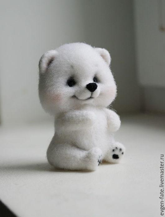 Игрушки животные, ручной работы. Ярмарка Мастеров - ручная работа. Купить Северный белый медвежонок Антошка мишка валяный из шерсти. Handmade.