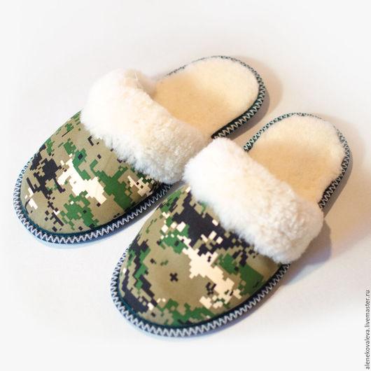 Обувь ручной работы. Ярмарка Мастеров - ручная работа. Купить Меховые тапочки хаки в подарок мужчине. Handmade. Хаки