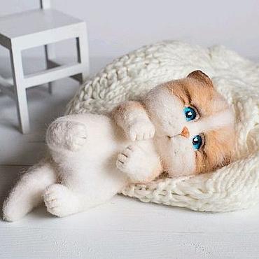 """Куклы и игрушки ручной работы. Ярмарка Мастеров - ручная работа Котик  """"Хочу на ручки"""" рыжик игрушка из шерсти, войлока. Handmade."""