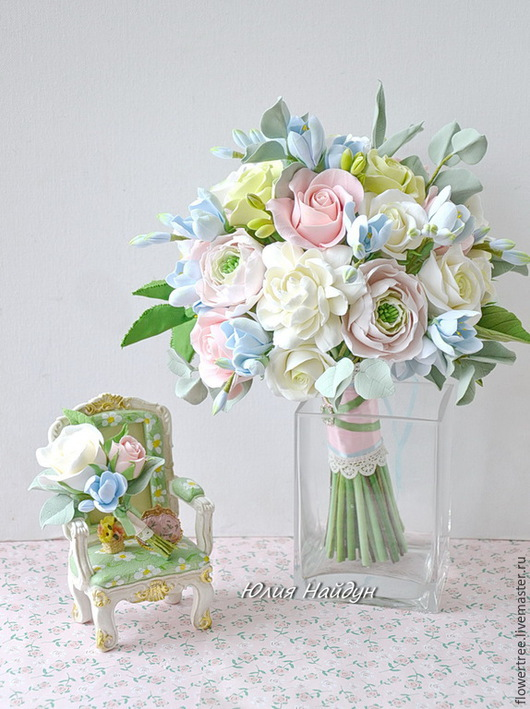 Букеты ручной работы. Ярмарка Мастеров - ручная работа. Купить Букет невесты с розами, фрезиями и ранункулюсами из полимерной глины. Handmade.