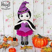 Куклы и игрушки ручной работы. Ярмарка Мастеров - ручная работа Вязаная кукла Ведьмочка Сабрина. Подарок на Хеллоуин. Handmade.