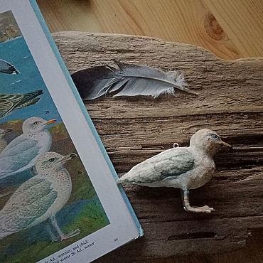 Миниатюрные игрушки: Сельдевая чайка. Ватная игрушка.